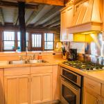 montana vacation rental kitchen